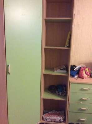 Угловой шкаф, открытый шкаф, комод
