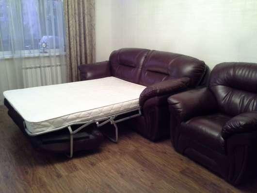 Кожаный диван - кровать и кресло Лестер
