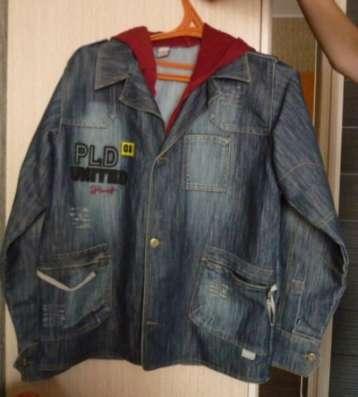 Джинсовый пиджак на подростка.