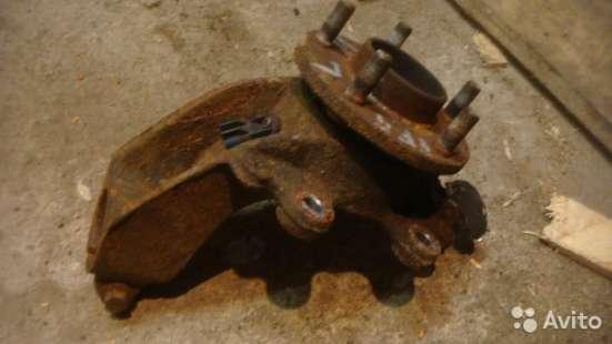 Поворотный кулак левый Ford Focus 2