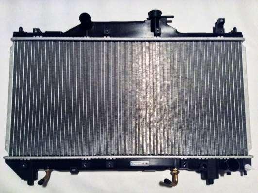 Радиатор PL011697 Koyo Toyota Avensis AT 1.6 1.8