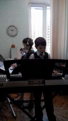 Уроки игры на музыкальных инструментах. Постановка голоса