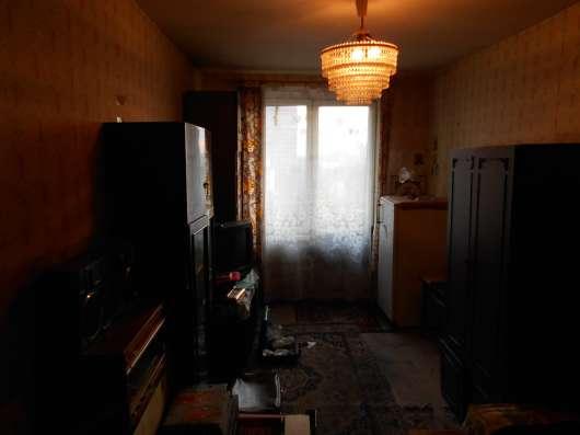 Продам трехкомнатную квартиру на Речном Вокзале