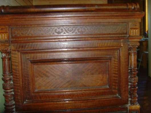 Кровать старинная