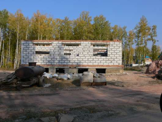 Продаю в г. Пласт Челябинской области недостроенные коттеджи