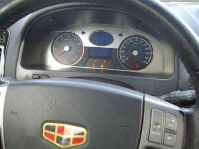 автомобиль Geely Emgrand