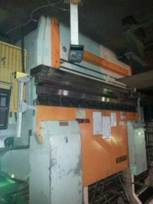 Гидравлический листогибочный пресс WE67K-300T Delem Da56