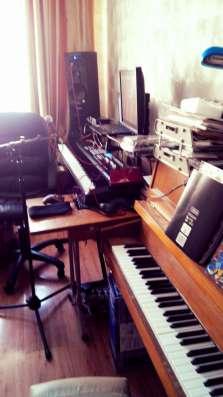 Уроки игры на музыкальных инструментах. Постановка голоса в Москве Фото 1