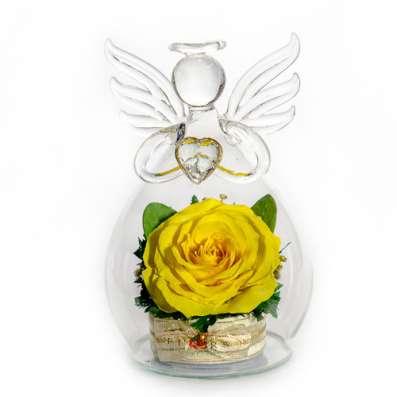 Розы кремовые и желтые в вазах из стекла