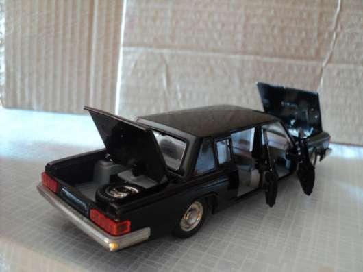 Масштабная модель автомобиля ЗИЛ