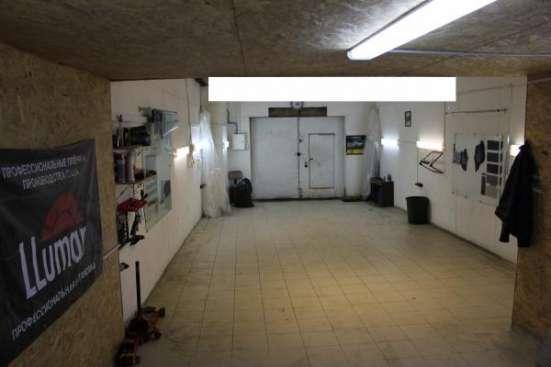большой гараж