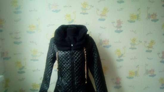 Куртка женская утипленная. С вязанным воротником