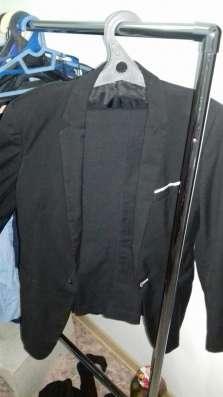 Пиджак школьный черный на 12-14 лет