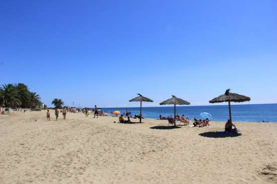 Домик в Испании (Каталония) на берегу моря