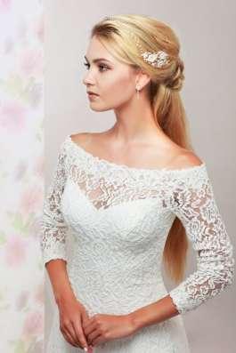 Кружевное свадебное платье