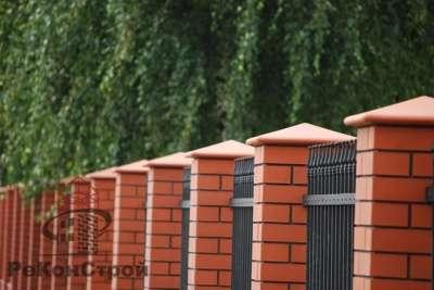 Клинкерные колпаки на забор