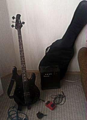 бас-гитару