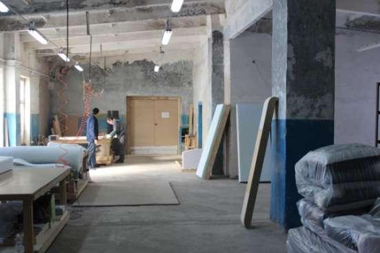 действующее мебельное производство.