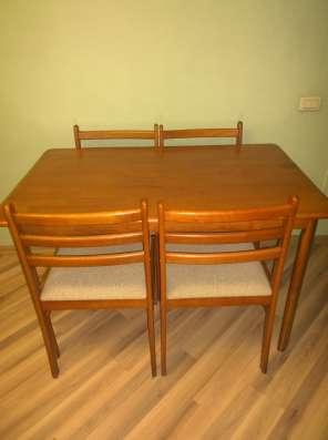 Стол и 4 стула из дерева (гевея) производства Таиланд